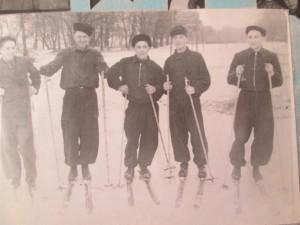 Михаил Ильченко (третий слева)